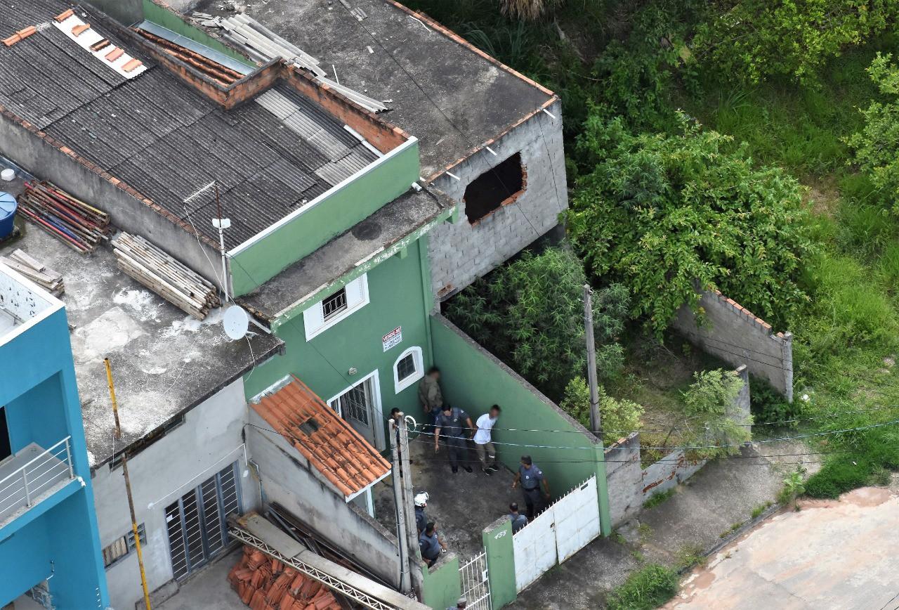 Quatro são presos com R$ 44 mil após assalto a supermercado em Taubaté