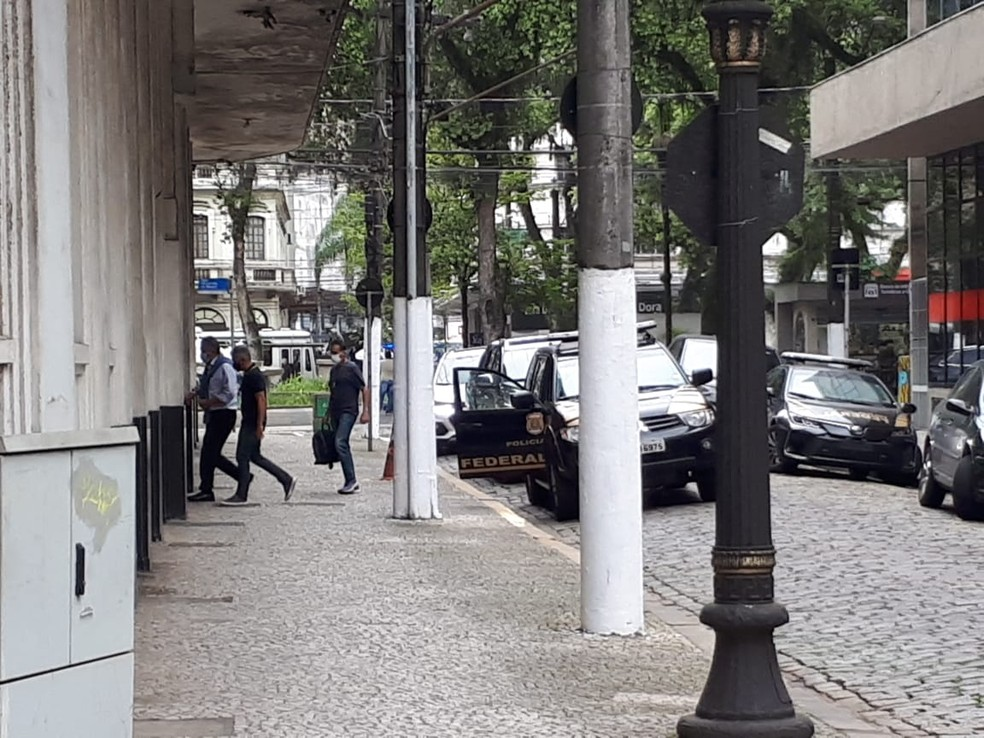 delegacia-pf Prefeito de Guarujá, Válter Suman, é preso em operação da Polícia Federal