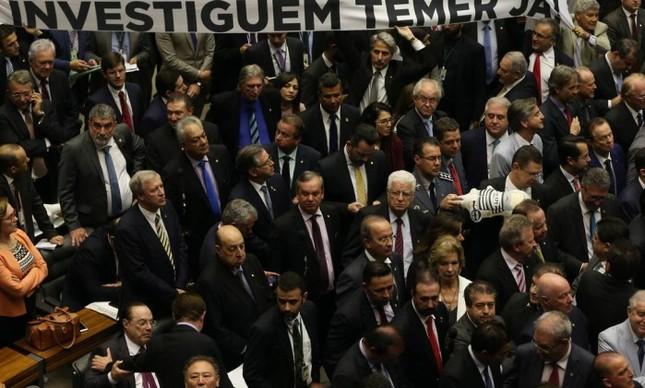 Plenário da Câmara durante a votação da denúncia contra Temer