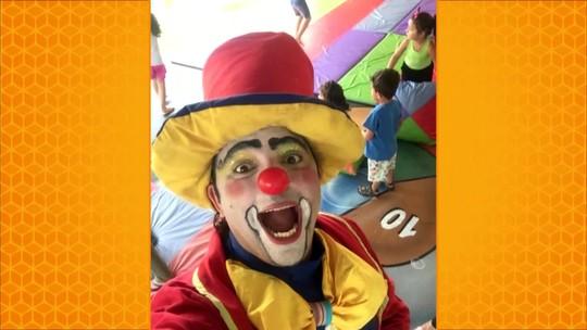 Palhaço dá aulas de circo para crianças de graça