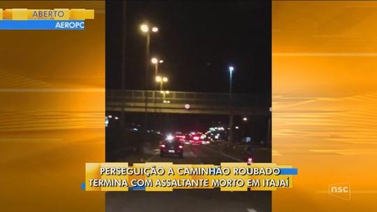 Criminosos são mortos pela PM em perseguição a caminhão roubado em Itajaí