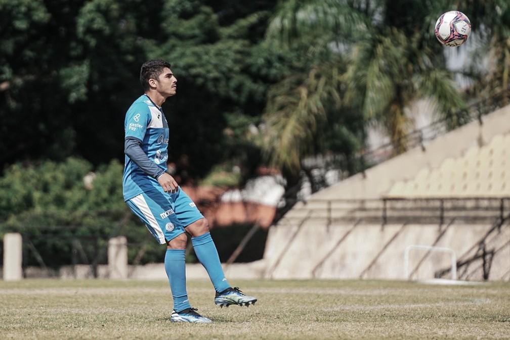 Júnior Prego, lateral-esquerdo do São Bento — Foto: Neto Bonvino/EC São Bento