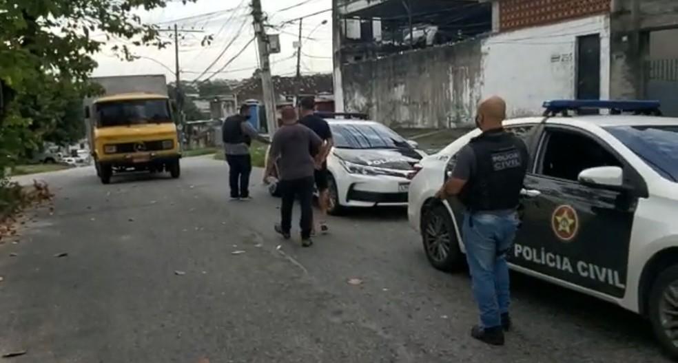 Operação Resguardo: policiais civis do Rio de Janeiro cumprem mandado de prisão  — Foto: PCRJ/Divulgação