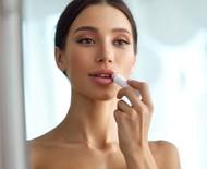Lip tint ou lip balm? Aprenda quando usar cada um deles