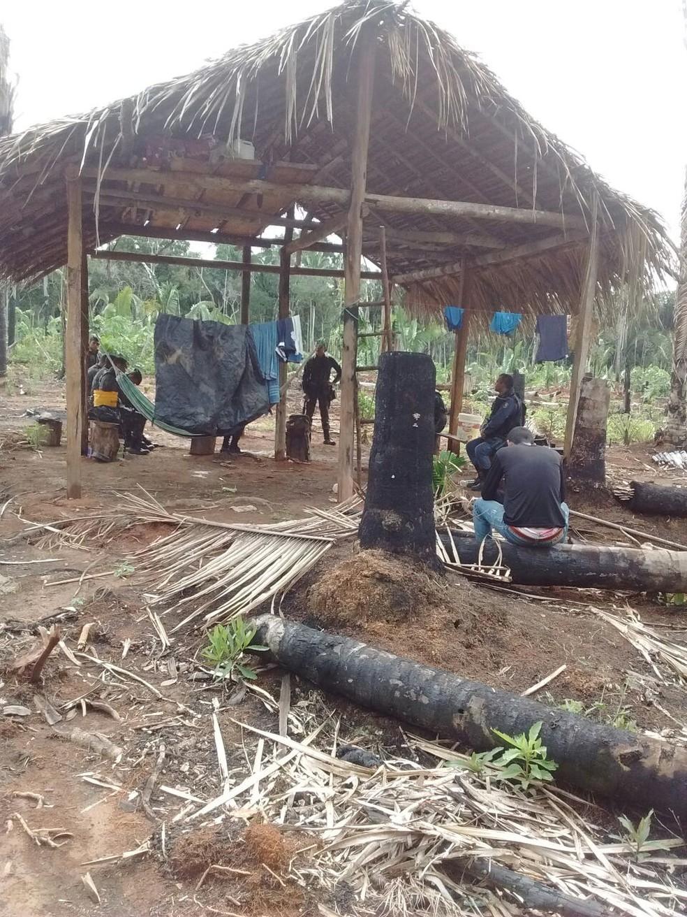 Buscas estão sendo feitas em área de conflito de terra (Foto: PM/Divulgação)