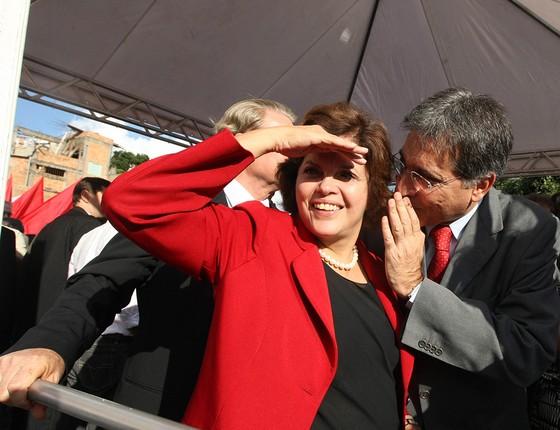 A então ministra-chefe da Casa Civil, Dilma Rousseff, visita Pimentel, na época prefeito de Belo Horizonte. Ele era seu Grilo Falante (Foto: CARLOS RHIENCK/ JORNAL HOJE EM DIA)