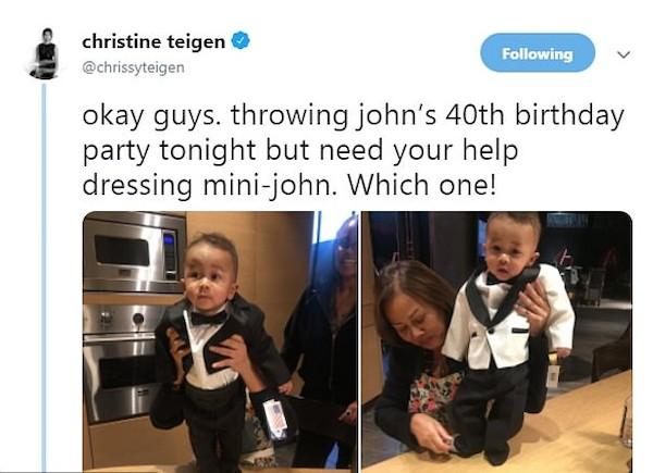 A foto compartilhada por Chrissy Teigen mostrando o filho de menos de um ano em vestimenta de gala para o aniversário de 40 anos de John Legend (Foto: Twitter)