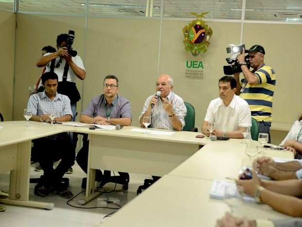 Anúncio foi feito por vice-governador e reitor da Universidade do Estado do Amazonas (Foto: Chico Batata/Agecom)