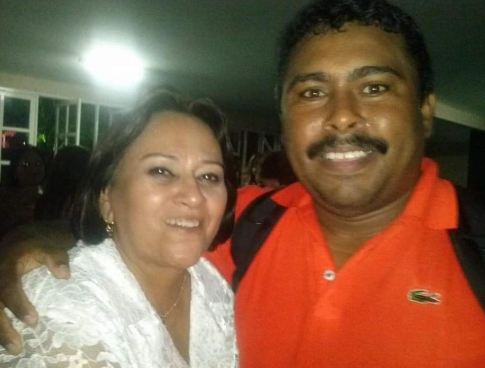 Figueiredo ao lado da governadora eleita Fátima Bezerra — Foto: Arquivo pessoal
