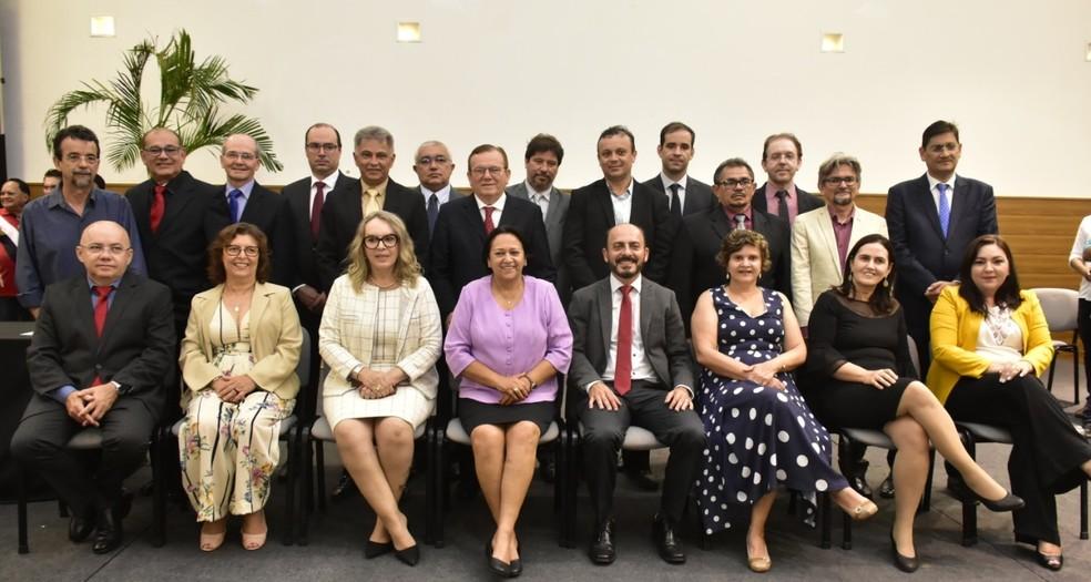 Governadora Fátima Bezerra empossou os secretários nesta quarta-feira (2), na Escola de Governo — Foto: Pedro Vitorino