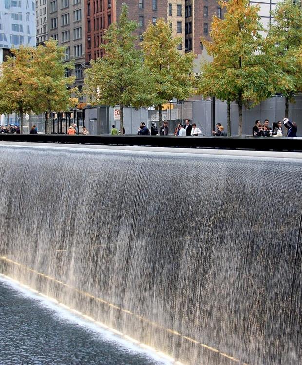 Vários memoriais foram construídos em tributo aos atentados do dia 11 de setembro (Foto: PWP Architectures/ Reprodução)