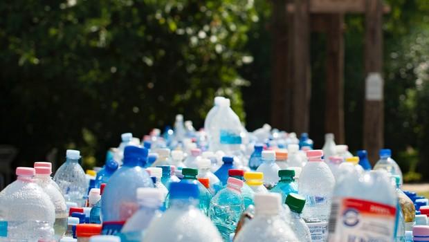 Plástico; garrafa de plástico (Foto: Pexels)