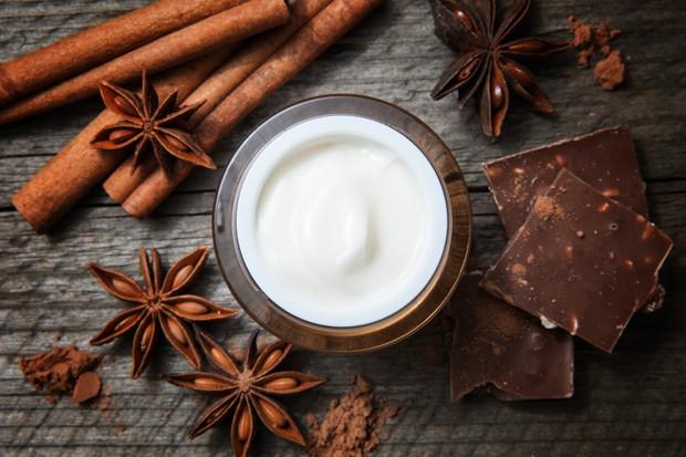 Faça uma máscara de chocolate para a sua pele (Foto: Thinkstock)