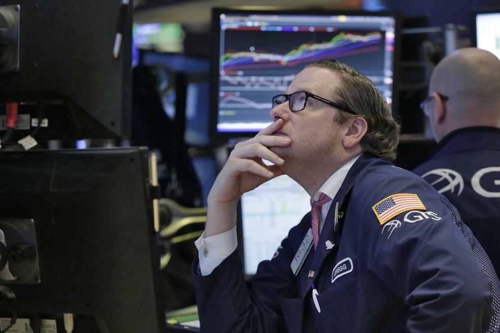 Wall Street despenca e fecha com maior perda em um dia desde 16 de março