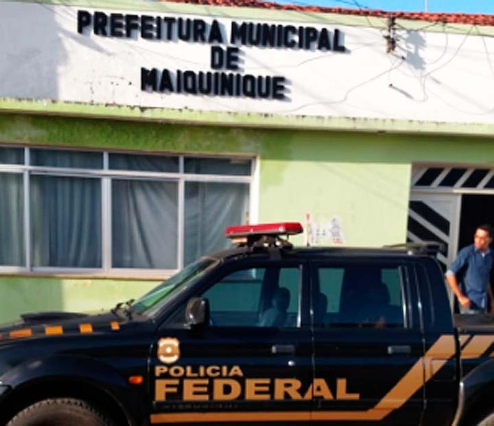 Vinte mandados de busca e apreensão e 14 mandados de intimação foram cumpridos em Maiquinique e outras sete cidades da Bahia (Foto: Divulgação/Polícia Federal)