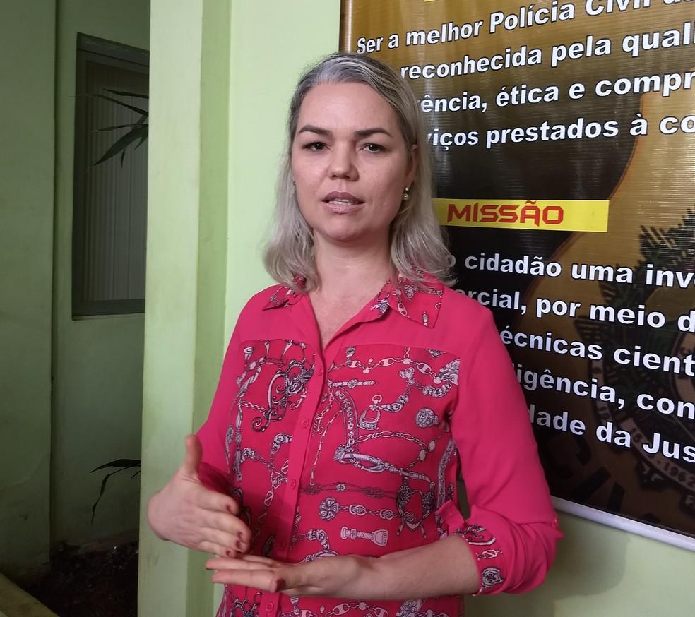 Coordenadora da Depca, Elenine Frez, falou sobre as prisões na manhã desta quinta (7) (Foto: Aline Nascimento/G1)