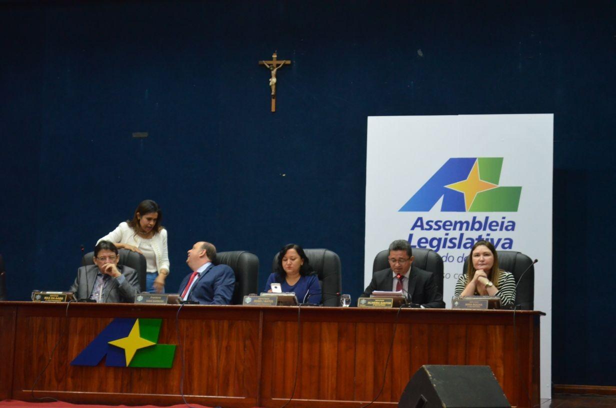 Justiça do AP suspende sessão que avalia cassação do deputado Moisés Souza