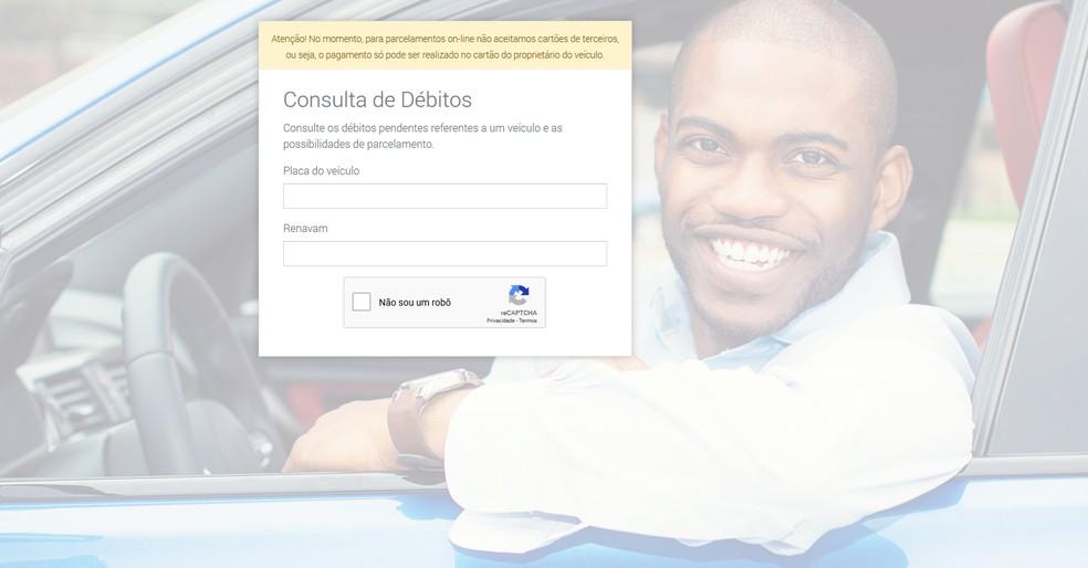 Rerprodução da página onde usuários podem fazer pagamentos de débitos do veículo — Foto: ParceleTudo/Reprodução