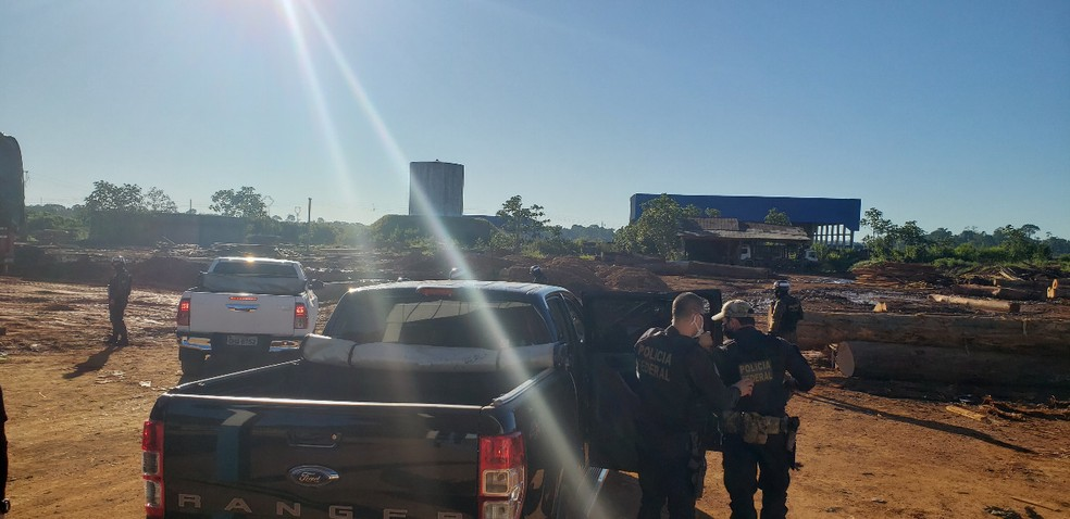 Policiais foram às ruas para cumprimento de mandados da Operação Ninametsa em Rondônia.  — Foto: Divulgação/PF