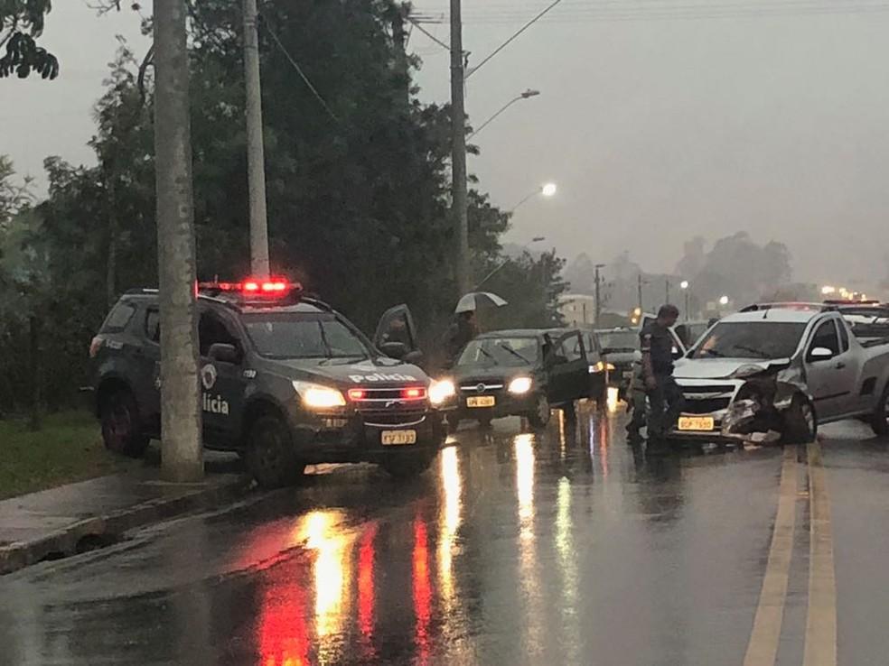 Perseguição termina em acidente no São Judas em São José dos Campos — Foto: Guto Sousa/ Arquivo pessoal