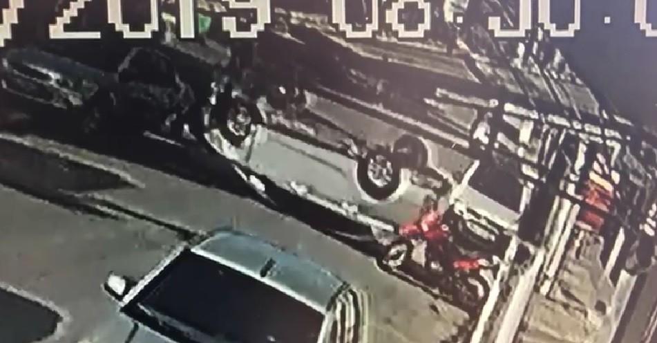 PM prende motorista embriagado após capotar veículo em Maceió - Notícias - Plantão Diário