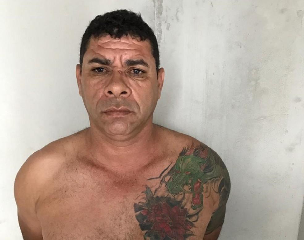 Valdemir Gomes de Oliveira estava foragido de Alcaçuz desde o massacre que aconteceu em janeiro de 2017.  — Foto: Polícia Civil/Divulgação