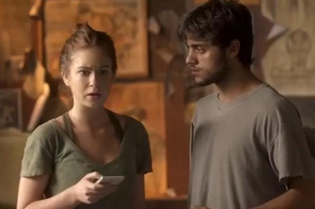 Eliza (Marina Ruy Barbosa) e Jonatas (Felipe Simas) em 'Totalmente demais' (Foto: Reprodução)