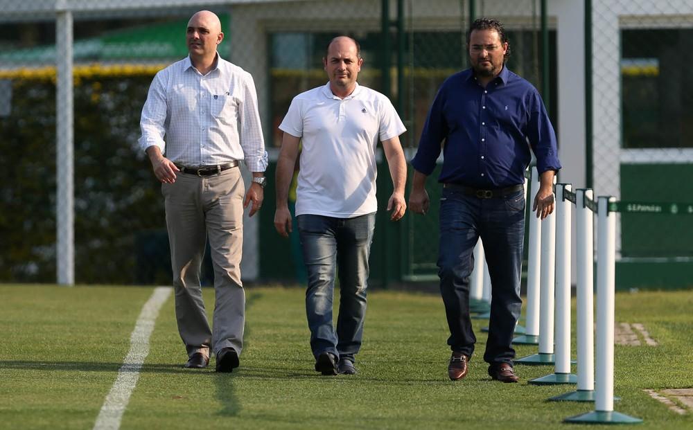Palmeiras confirma contratação de Diogo Barbosa