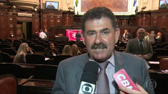 PF apreende bilhete em que deputado preso ordena destruição de provas