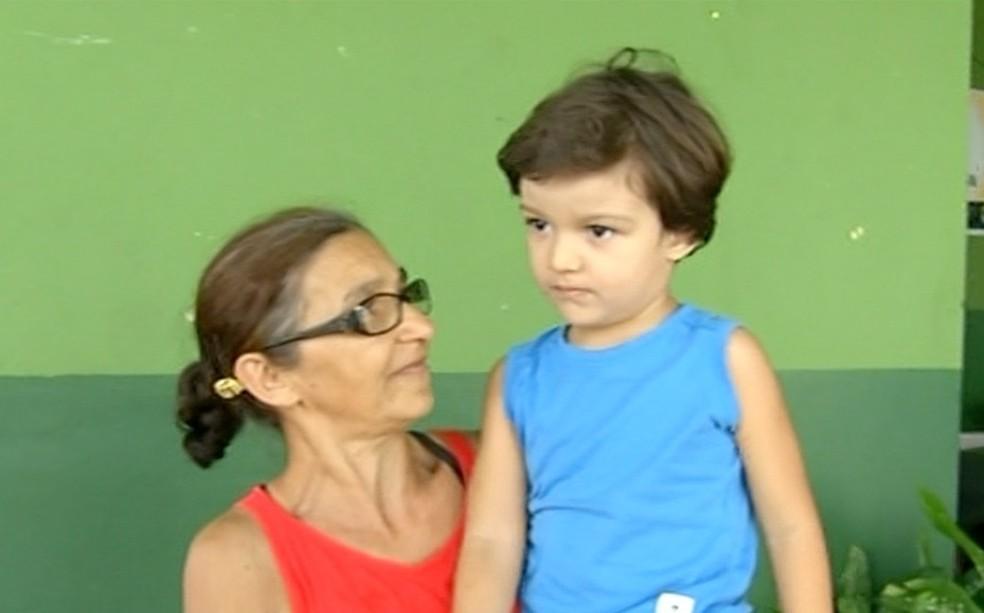 Criança tem apenas arranhões após acidente — Foto: Reprodução/TV Anhanguera