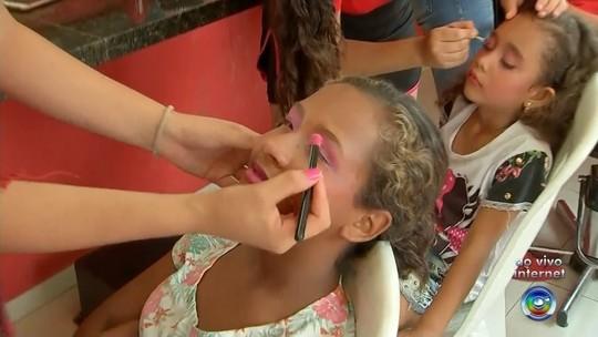 Instituto 'As Valquírias' realiza dia de beleza para crianças e adolescentes