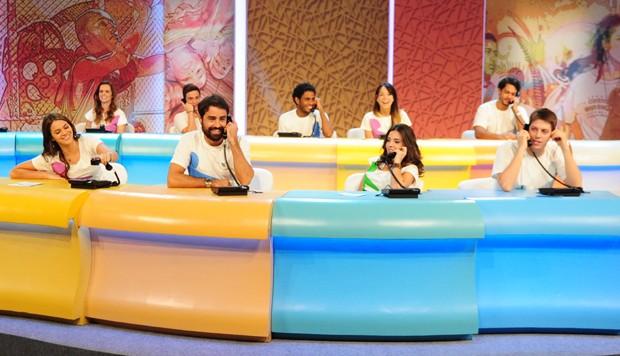 Bruna Marquezine, Ricardo Pereira, Giovanna Lancellotti e Fábio Porchat no Criança Esperança em 2014 (Foto: TV Globo/João Cotta)