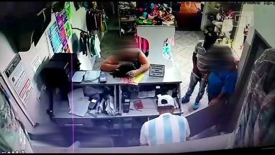Ladrões roubam mais de R$ 52,4 mil em posto bancário de Itaí; vídeo