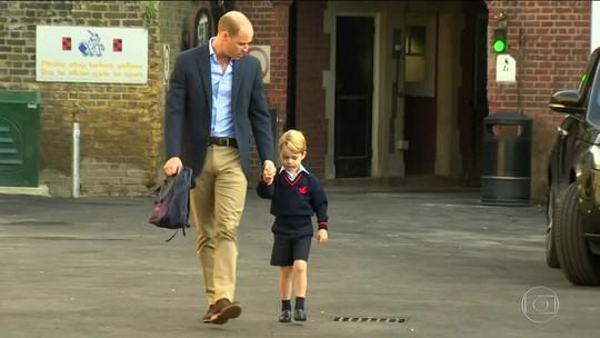 Príncipe George vai para escola pela primeira vez
