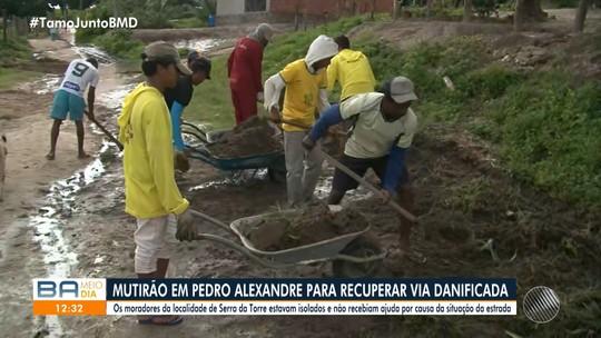 Moradores fazem mutirão para recuperar estradas e facilitar entrega de doações após rompimento de barragem na BA