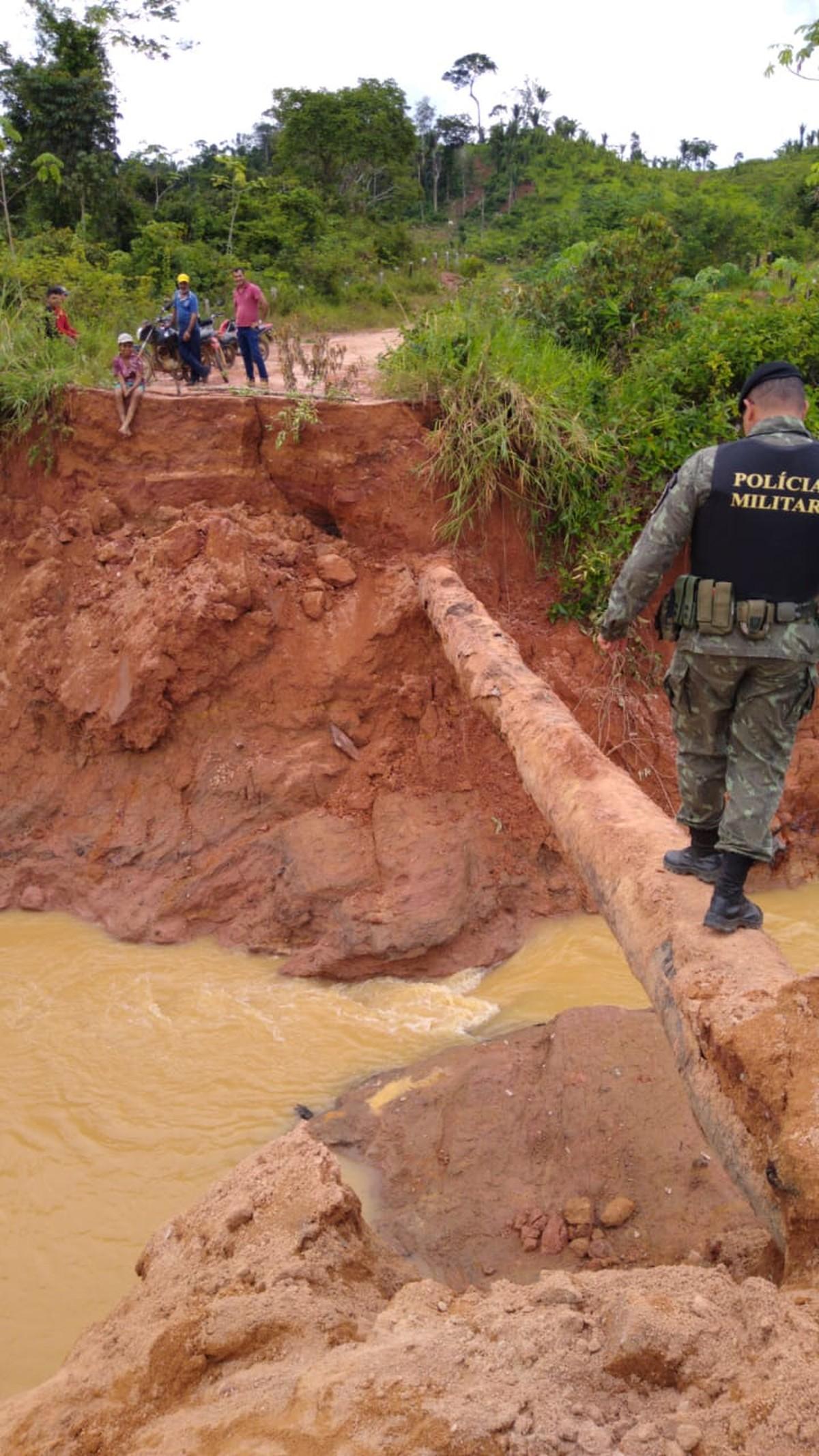 Resultado de imagem para rompimento de barragem no distrito de Novo Oriente, em Ariquemes