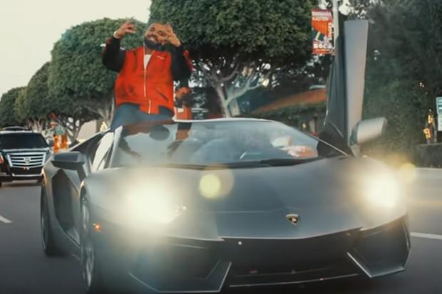Drake ostenta seu Lamborghini Aventador em clipe do rapper YG  (Foto: Reprodução/YouTube)