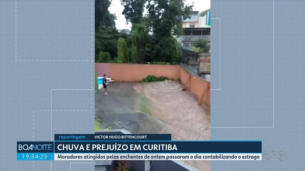 Chuva causa alagamentos em Curitiba