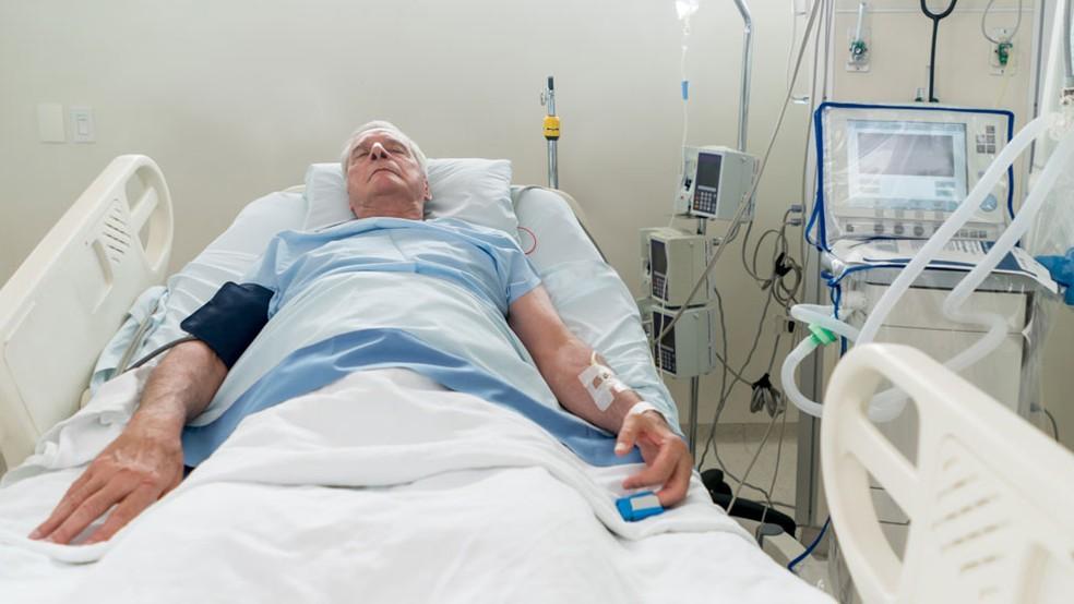 O algoritmo analisa os dados dos sistemas de monitoramento já existentes nos hospitais  (Foto: iStock via BBC)