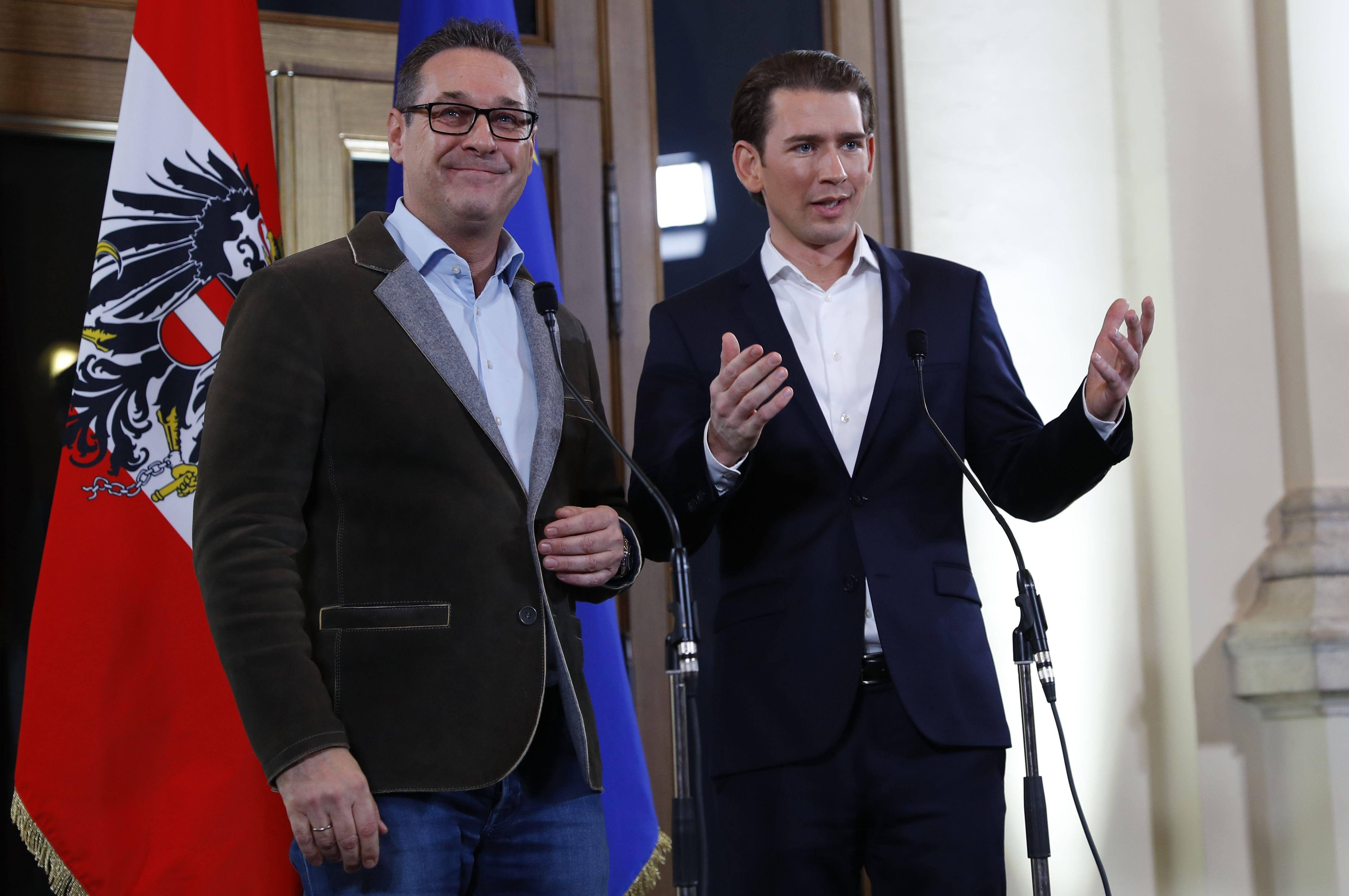 Direita e extrema direita chegam a acordo de governo na Áustria