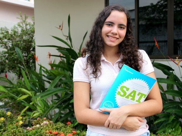 Aos 16 anos, Maria Luiza fará Enem para tentar vaga em Relações Internacionais na Universidade de Brasília (UNB) (Foto: Jamile Alves/G1 AM)