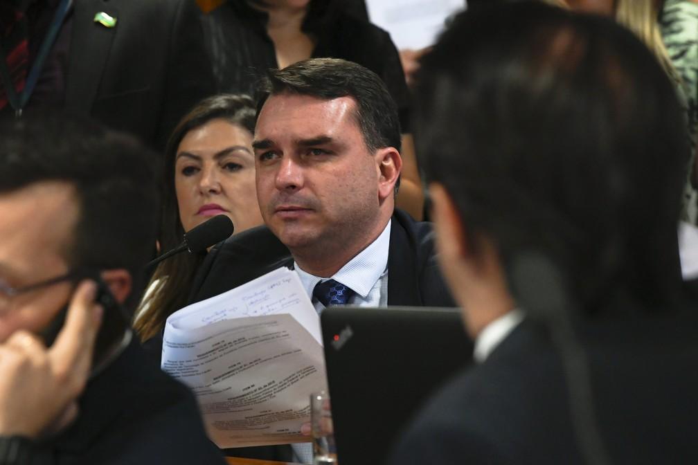 O senador Flávio Bolsonaro (PSL-RJ) durante reunião de comissão no Senado  — Foto:  Jane de Araújo/Agência Senado