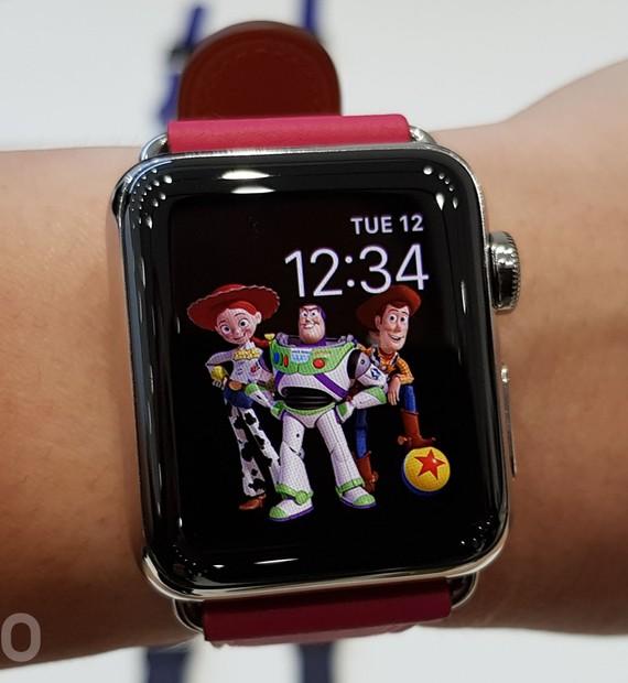 5848501ed75 Smartwatches
