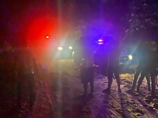 Dois homens são detidos suspeitos de fazer festa com aglomeração de pessoas em sítio de MT