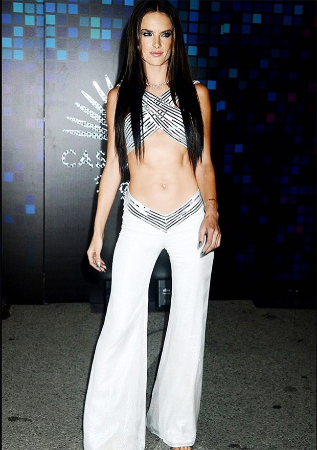 Alessandra Ambrósio como Cher (Foto: Instagram / Alessandra Ambrósio)