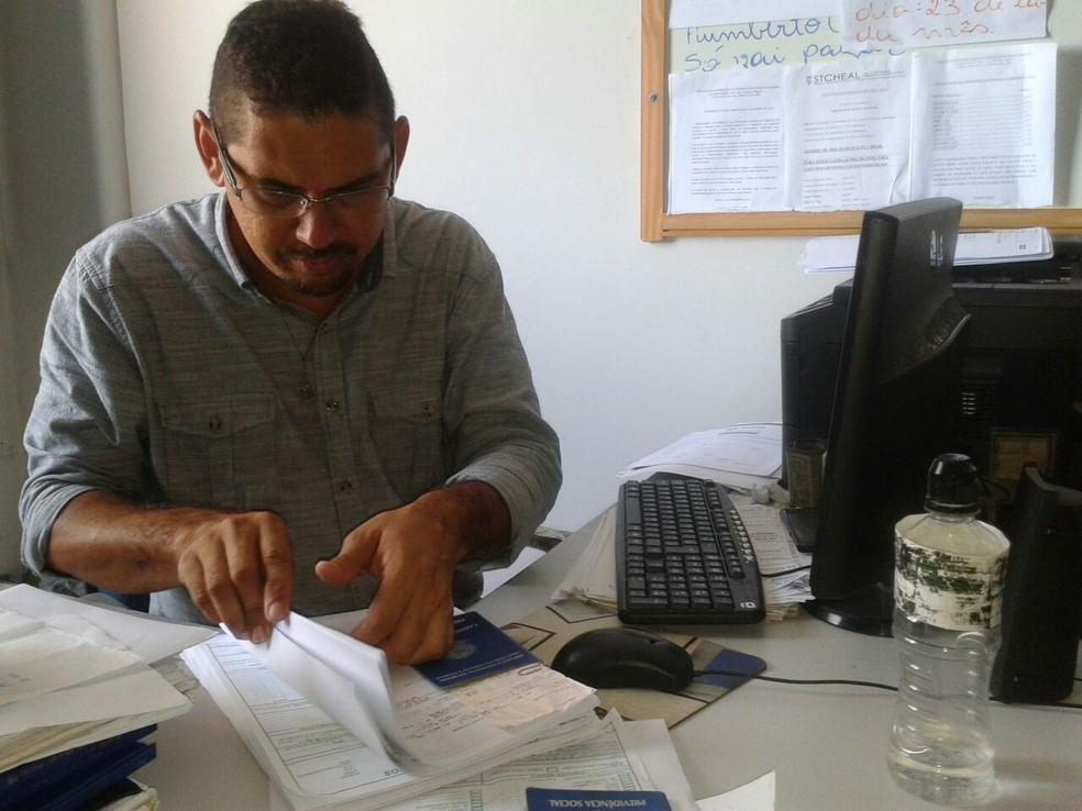 Na Cardoso Contábeis, demanda por envio de declarações do IR é grande desde os primeiros dias (Foto: G1)