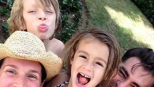 Longe das novelas, Vanessa Lóes prioriza os filhos: 'Amor que me transformou'