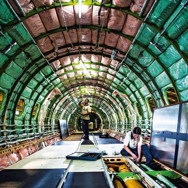 Empresa, Aviação, Inovação, Embraer, Interior do primeiro jato E2 (Foto: Fabiano Accorsi)