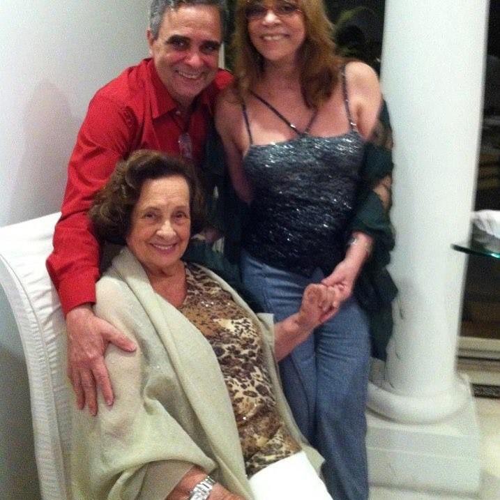 Gloria Perez, Dona Augusta e um amigo (Foto: Reprodução/Instagram)