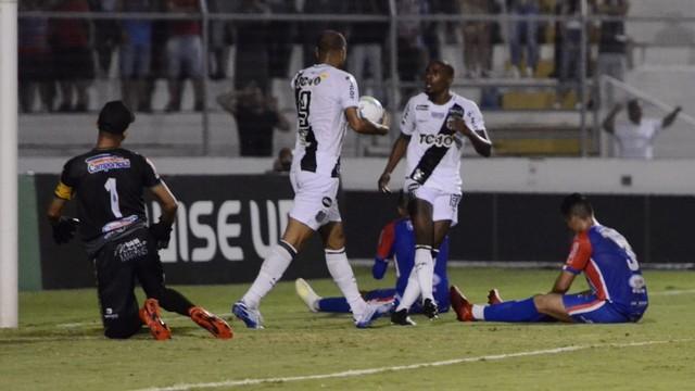 Ponte saiu na frente com gol contra
